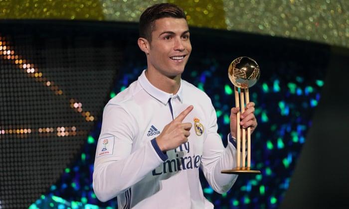 Cristiano Ronaldo, Leo Messi, friss levegő, vákuum, liftzene, majd a többi